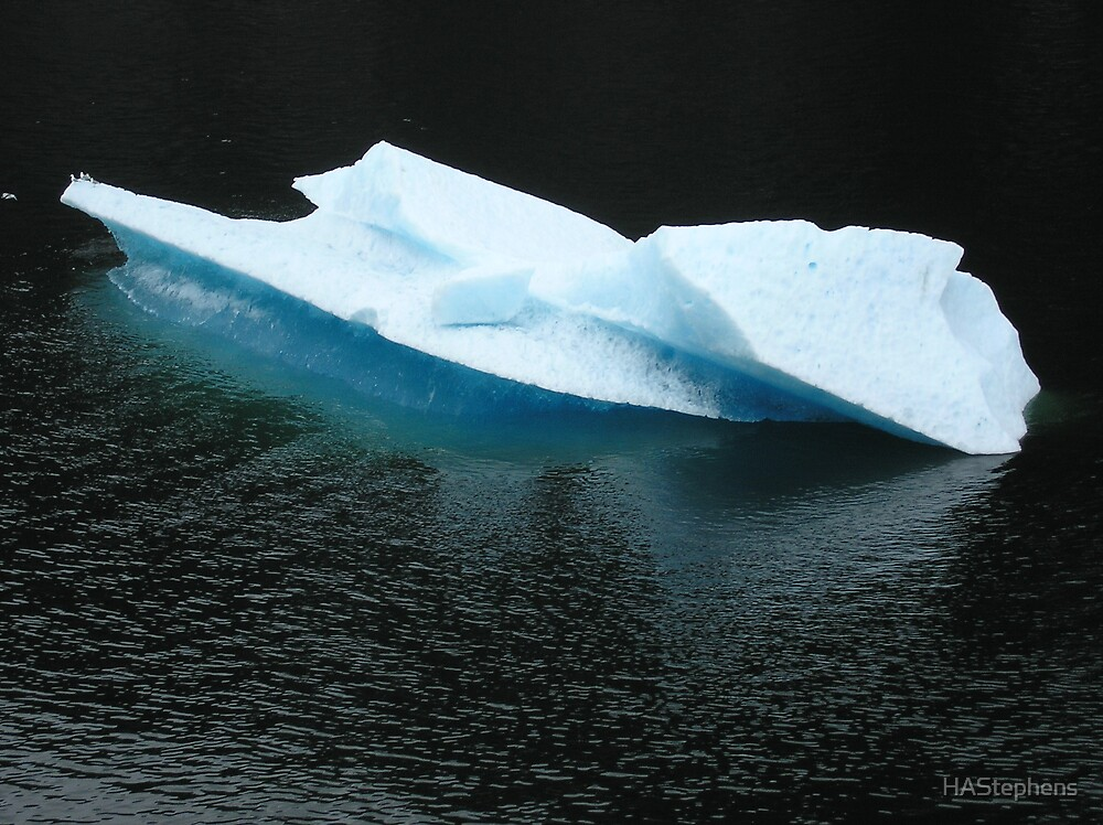Large Iceberg by HAStephens