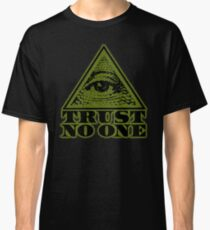 TRUST NO ONE (vintage distressed look) Classic T-Shirt