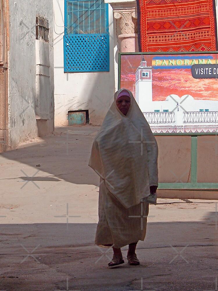 Berber woman by Tom Gomez