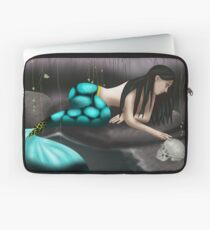 Mermaid Playing with Skull Laptop Sleeve