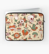 Traditional Old School Tattoo Pattern Laptop Sleeve