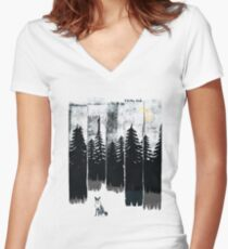 A Fox in the Wild Night Women's Fitted V-Neck T-Shirt