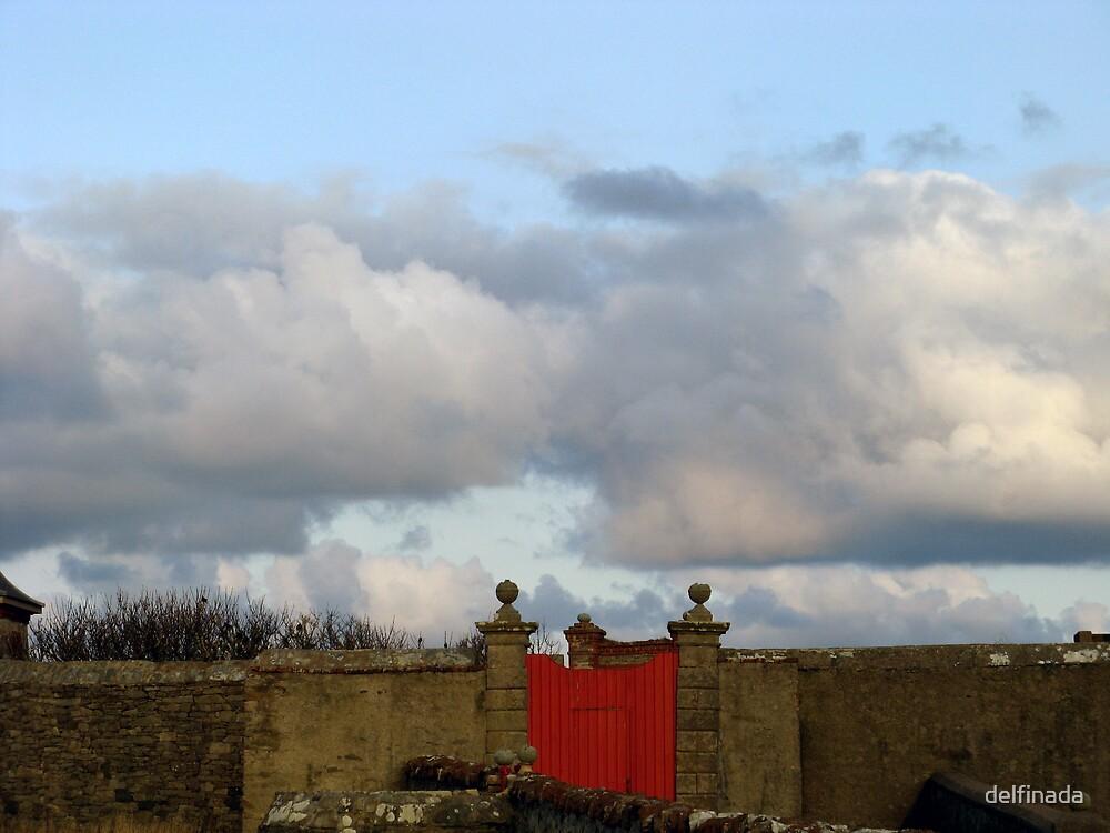 gate by delfinada