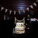 Kuchen bei Kerzenlicht von Evita