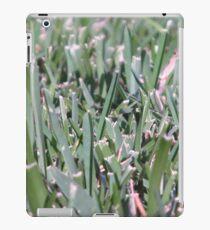 Sharp Grass iPad Case/Skin