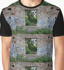 Paneless Graphic T-Shirt