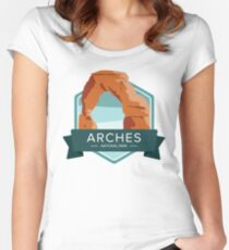 Arches National Park Graphic Badge Women's Fitted Scoop T-Shirt