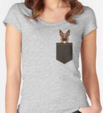 Camiseta entallada de cuello redondo Skylar - Ideas de regalos de pastor alemán para regalos de personas perro y perro