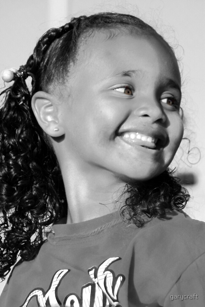 BLACK & WHITE  OF A YOUNG GIRL by garycraft