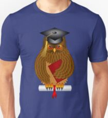 Wise Old Owl with Graduation Cap and Diploma Illustration T-Shirt