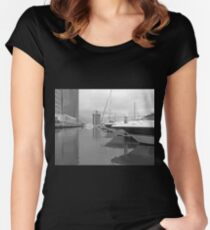 Black & White Marina Women's Fitted Scoop T-Shirt