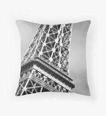 No. 5, La Tour Eiffel de Vegas Throw Pillow