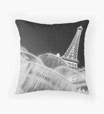 No. 18, La Tour Eiffel de Vegas Throw Pillow