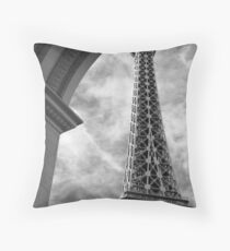No. 34, La Tour Eiffel de Vegas Throw Pillow