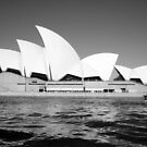Opera House BW by sashawood