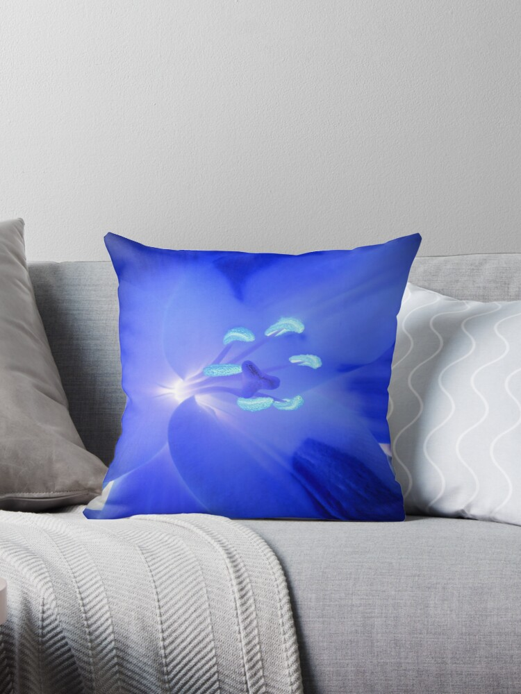 Lily in the negative turns blue by Xremona