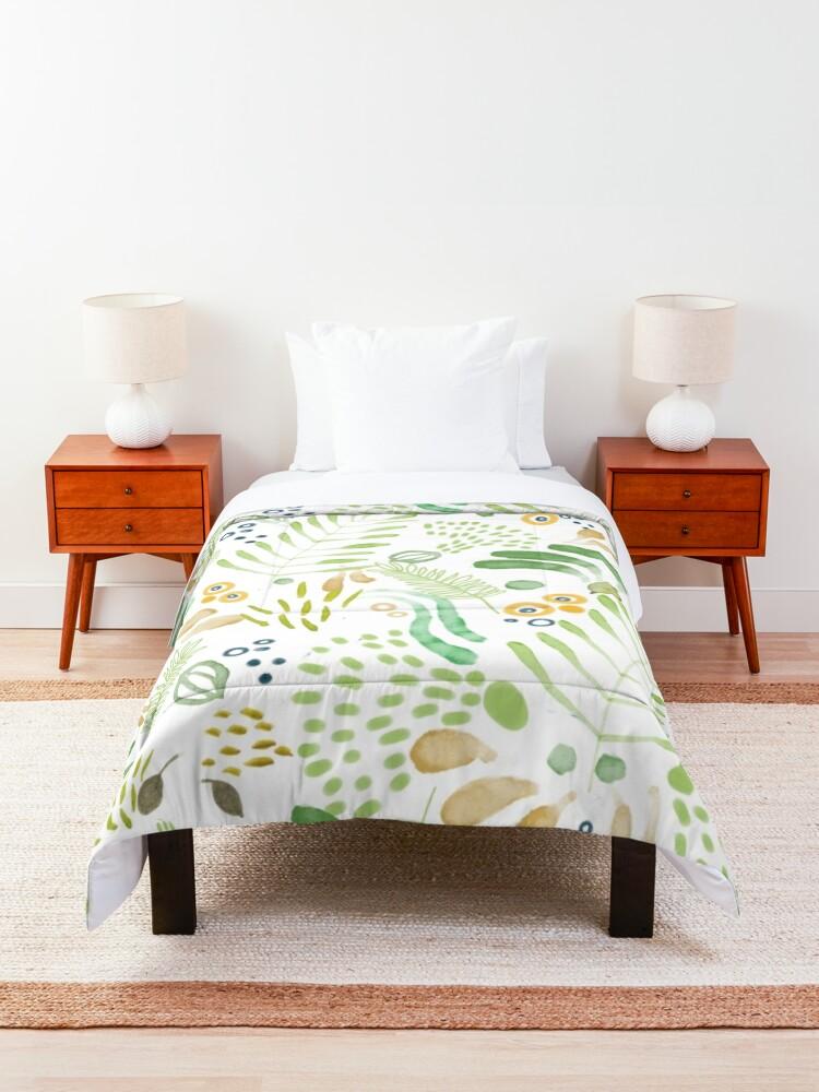 Alternate view of lovely green Comforter