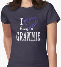 I Love Being A Grammie - Thoughtful Gift For Grandma Womens Fitted T-Shirt