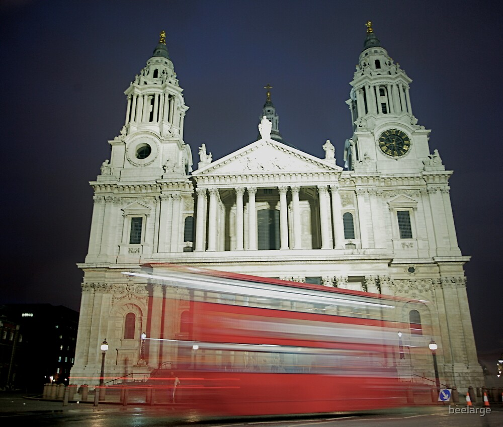 St Paul's Cathedral by beelarge
