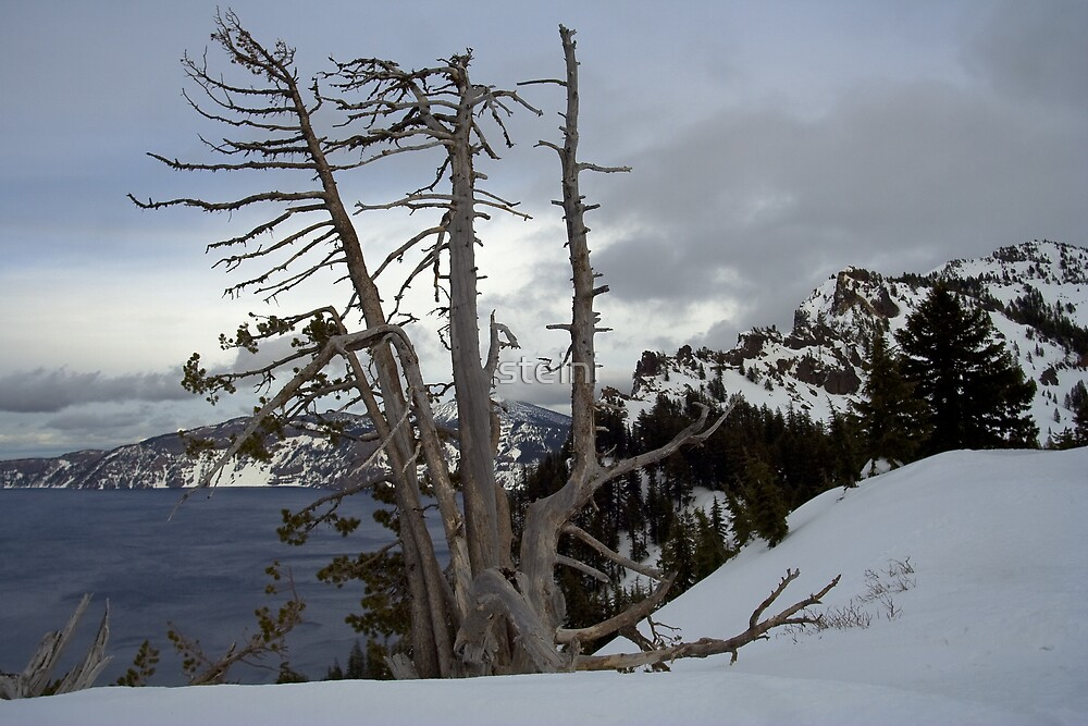 Crater Lake III by steini