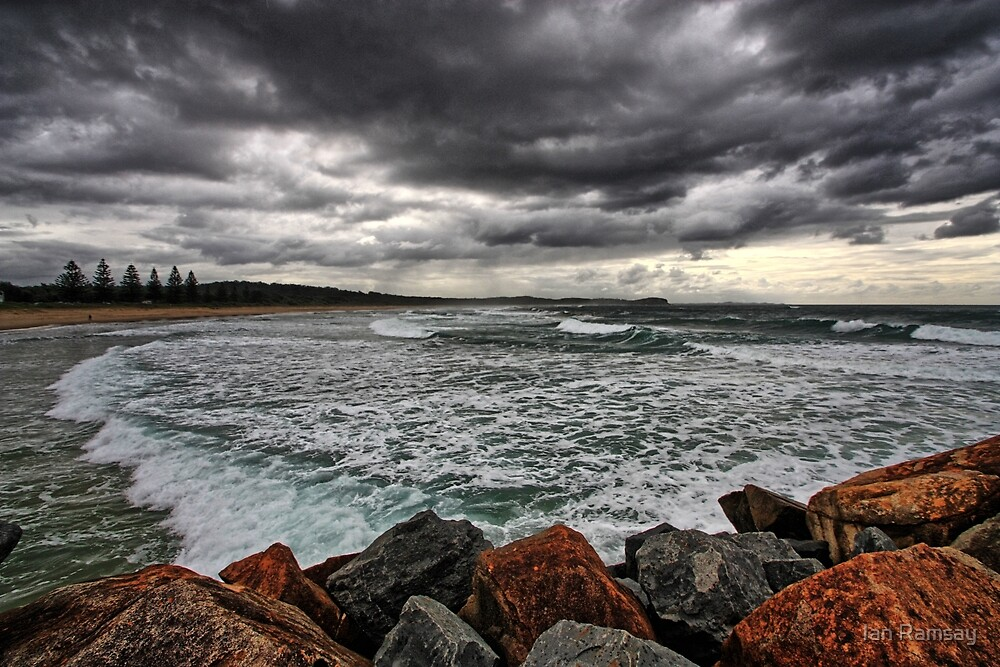 North Haven beach. by Ian Ramsay