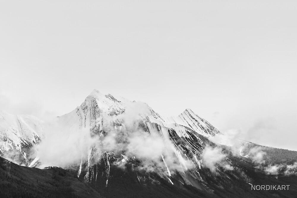 MOUNTAIN Black & White by NORDIKART