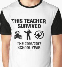 This teacher survived school year 20116 - 2017 Graphic T-Shirt