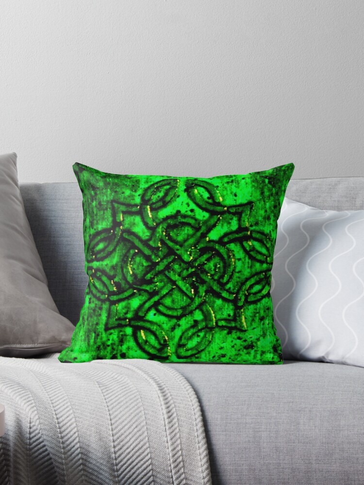 Celtic Knot by craftingsandy