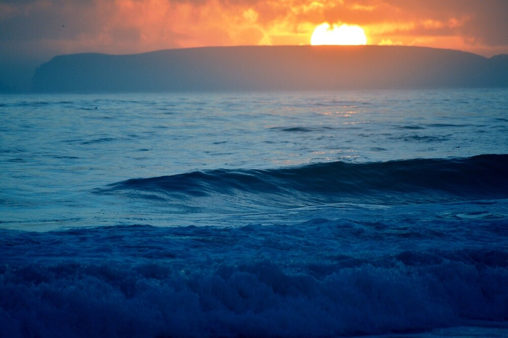 Sea at sunset in California by Minivillage