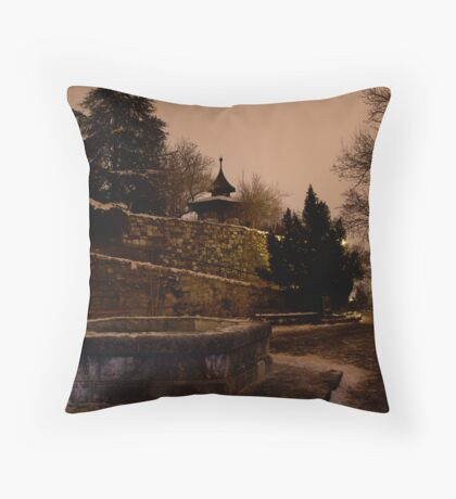 It was a cold and lonely night Throw Pillow