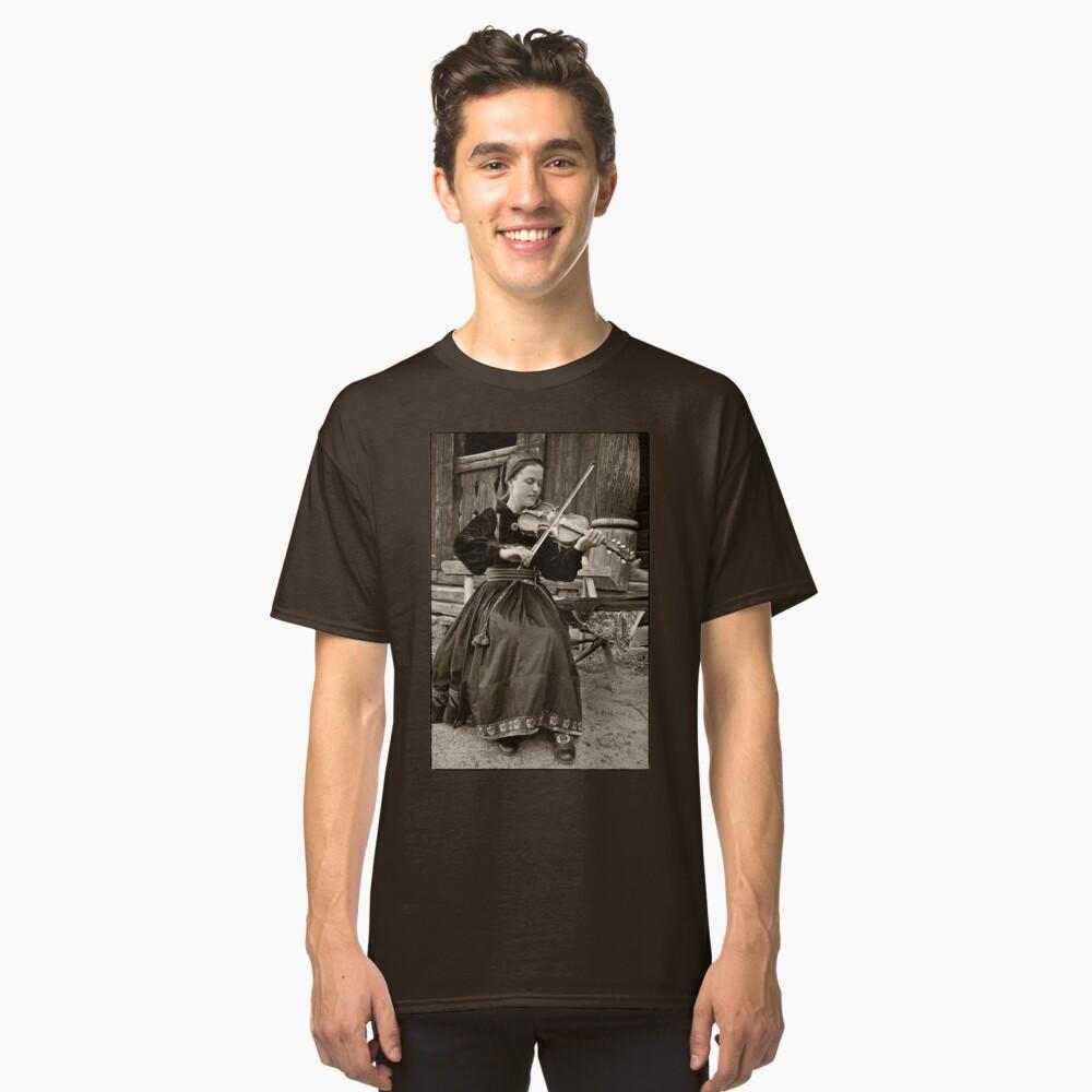 Hardanger fiddle player Classic T-Shirt