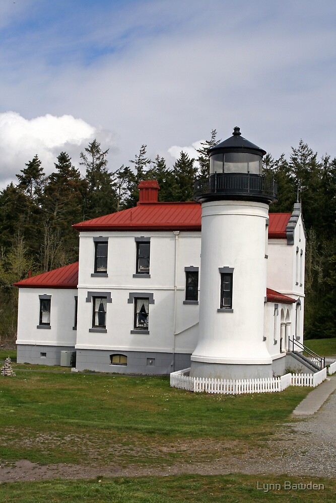 Admiralty Head Lighthouses by Lynn Bawden