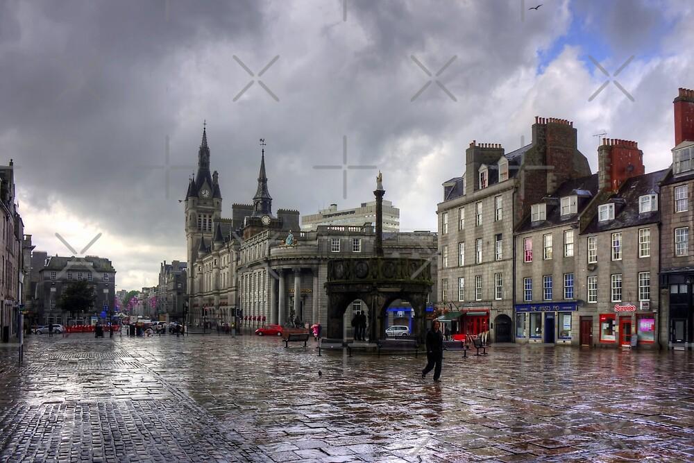 Aberdeen in the rain by Tom Gomez