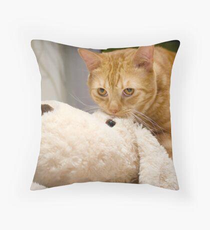 I'm not guilty Throw Pillow