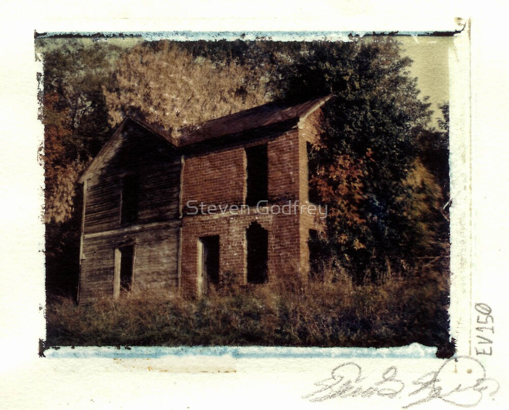 Derelict Farm House by Steven Godfrey