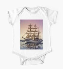 Sail Boston -Guayas One Piece - Short Sleeve