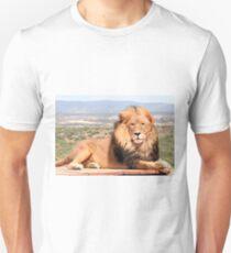 Magnificent African lion Unisex T-Shirt