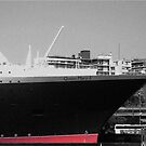 Queen Mary 2 by craigpeers9