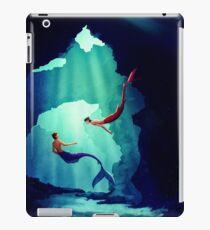 Dive In Deep Into The Ocean iPad-Hülle & Klebefolie