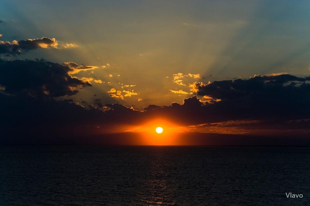 SUNSET EYE by Vlavo