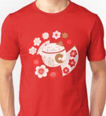 Maneki neko cat - mascot, the bringer of wealth and good fortune Unisex T-Shirt