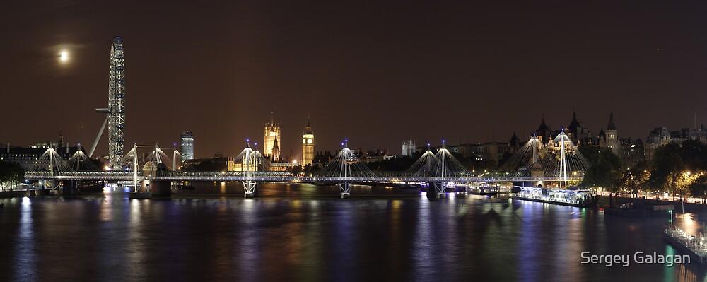 Hungerford Bridge, London Eye and Parlament by Sergey Galagan