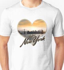 I LOVE NEW YORK - NYC Skyline Brooklyn Bridge Heart Sunset Unisex T-Shirt