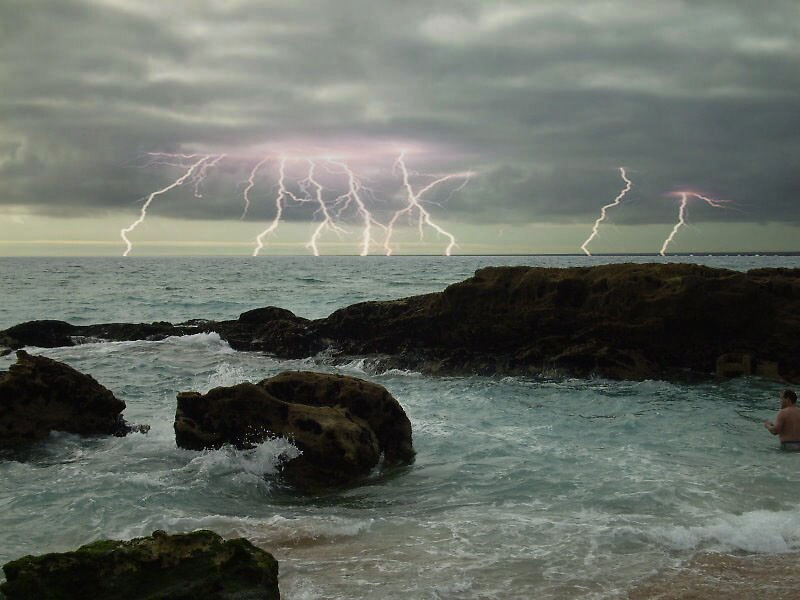 stormy by EzzzA