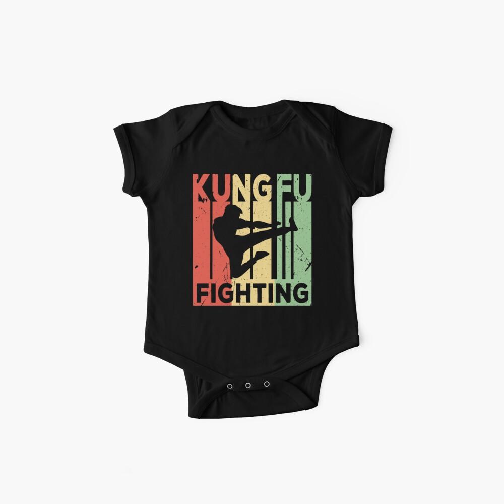 Kung Fu, das Weinlese-Retro- kämpft Baby Bodys