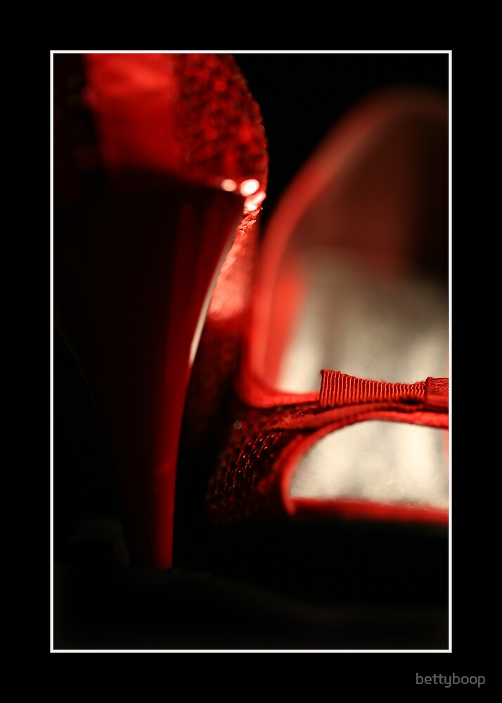 Red shoes by bettyboop
