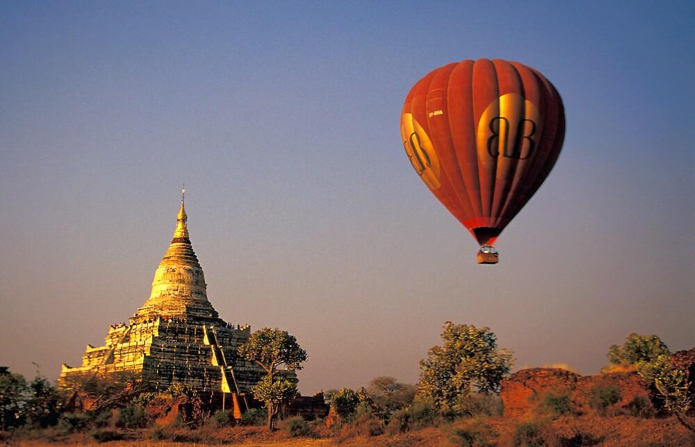 Hot-air Balloon Over the Shwesanda Temple, Bagan by Petr Svarc