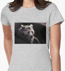 bear, portrait black and white T-Shirt