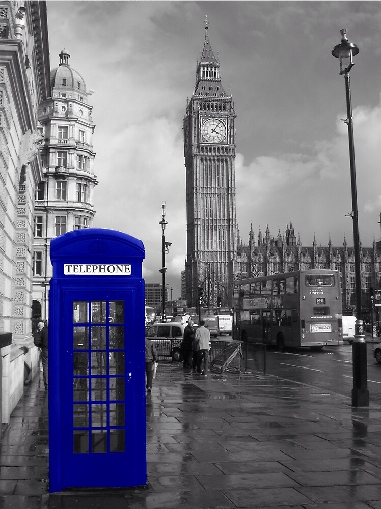 Blue telephone box - London by Tredzy