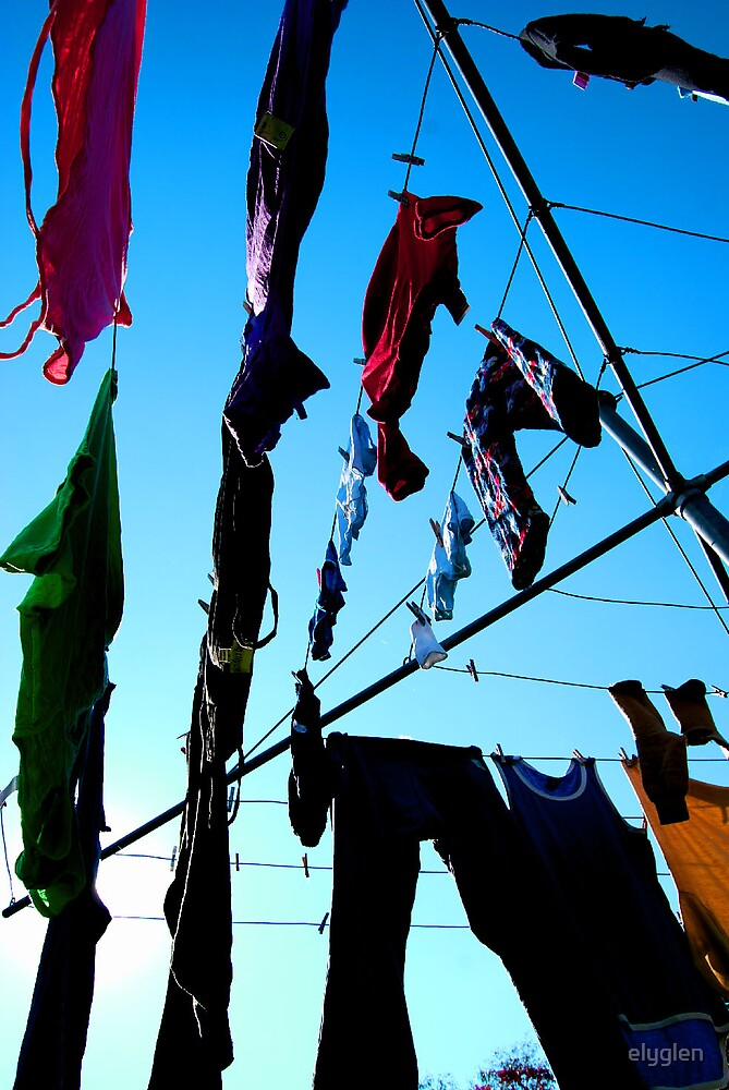 Hanging out the washing by elyglen
